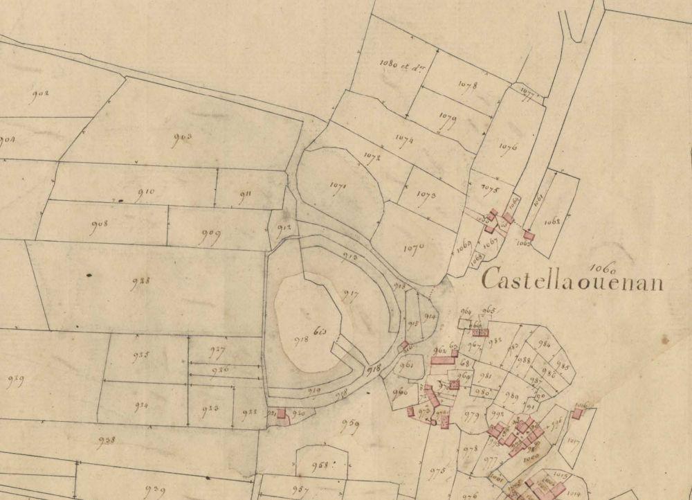 Enceinte de Castellaouenan représentée sur le cadastre du XIXème siècle. Archives départementales 22