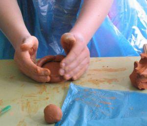 Atelier de poterie avec Mémoires du Kreiz Breizh