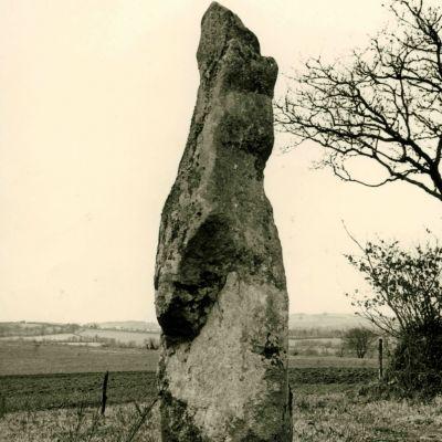 Menhir de Coat Couraval