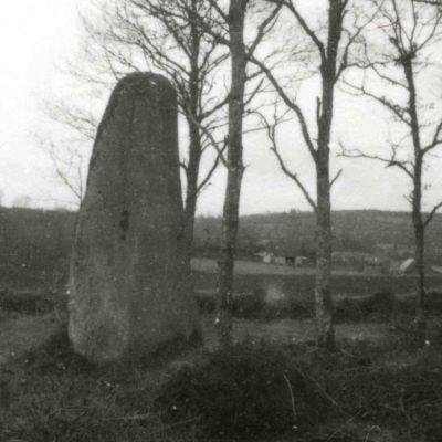 Menhir du Rossil