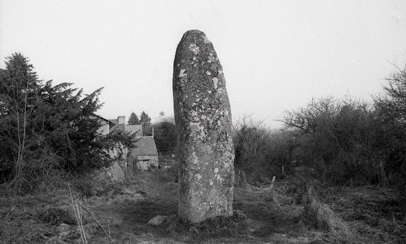 Menhir de Kerampeulven, Berrien