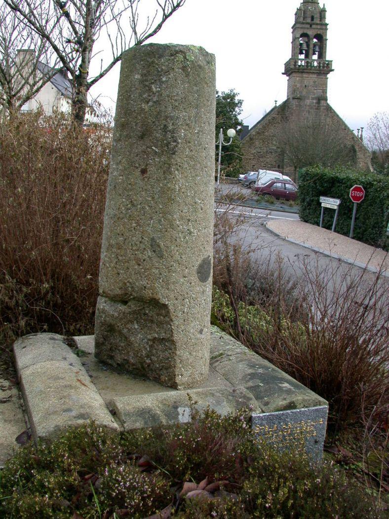Stèle funéraire des Troix Croix, Cliché A. Provost